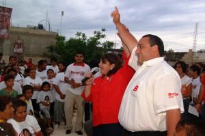 Festeja Guadalupe Novelo con Roberto Borge el día de las madres