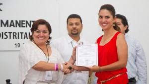 Entrega de constancia a la diputada electa Marcia Fernández Piña