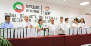 Firman las actas de Entrega-Recepción representantes de administraciones saliente y entrante de BJ