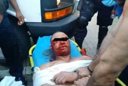 Somete la policía a golpes dos turistas que querían estrangular a una mujer