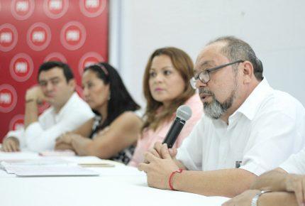 Se reúne Manuel Díaz Carvajal con la estructura del #PRI