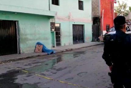 """Encuentran el cadáver de un indigente que fue """"molido"""" a golpe en la Región 90"""