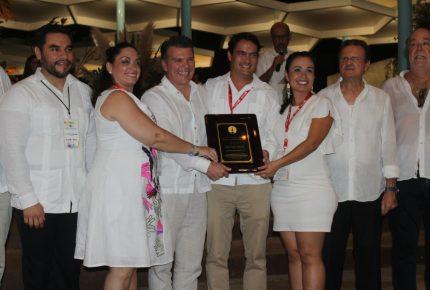#BestDay Travel Group recibe por X ocasión el #GoldenDeer #Mazatlán