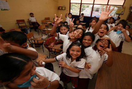 #Ciudadmilitar pone en jaque a SEQ por falta de espacio y evidencia déficit de mil #profesores