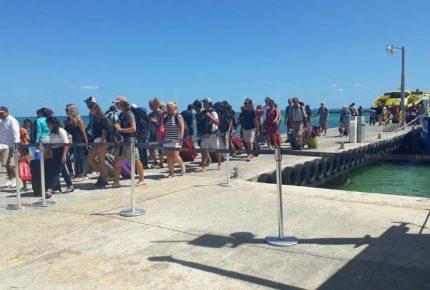 Cobrarán 6 pesos a turista de impuesto por ingresar a Isla Mujeres