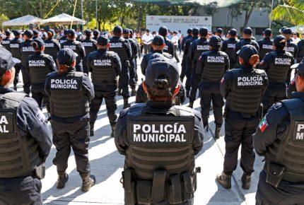 En Cancún culminan sus instrucción 67 nuevos policías municipales