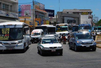 Parque vehicular  en Cancún amenaza la calidad del aire