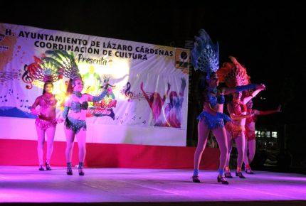 Imponen las bandas a los soberanos del carnaval de Kantunilkín