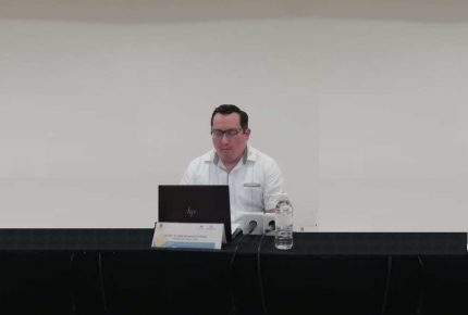 Conalep amaga con cancelar contrato a profesores disidentes en Cancún