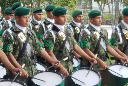 Destaca Carlos Joaquín lealtad y vocación de servicio del ejército mexicano