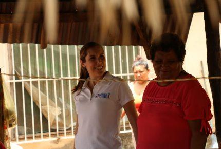 Atenea Gómez suma voluntades en Lázaro Cárdenas
