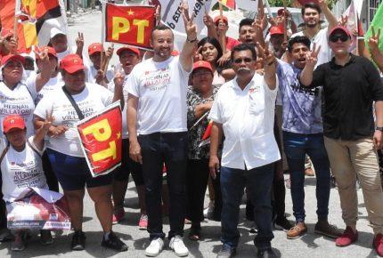 Refrenda Hernán Villatoro su compromiso de desaparecer a outsourcing en Quintana Roo