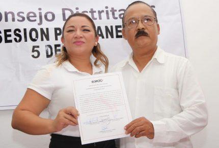 Recibe Erika Castillo constancia como diputada electa